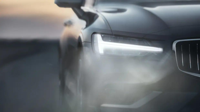 레드 Volvo S60 바퀴 근접샷