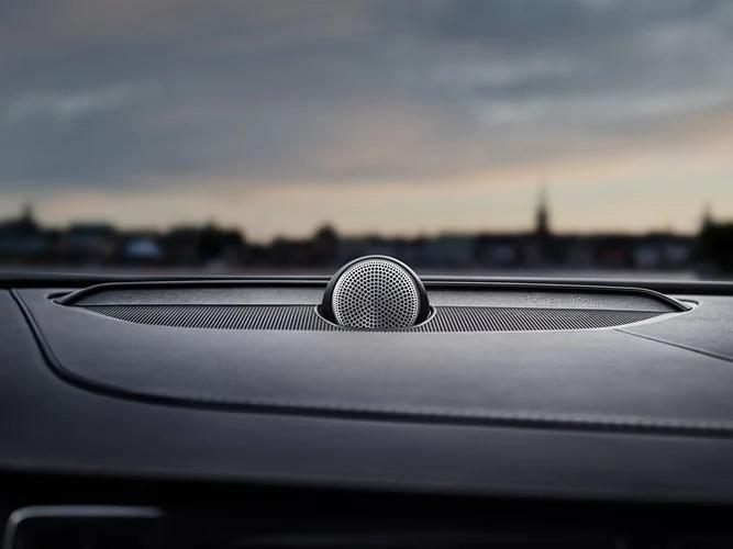 Volvo 내부 장착된 Bowers & Wilkins 오디오 시스템