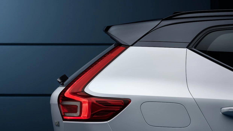 볼보 XC40 컴팩트 SUV 후방.