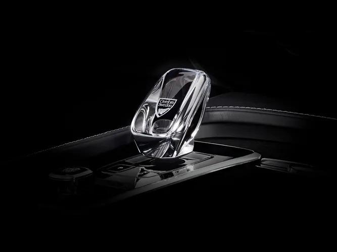Volvo 내부에 장착된 Orrefors®사 Crystal Eye 오리지널 스웨덴 크리스탈 기어 변속기