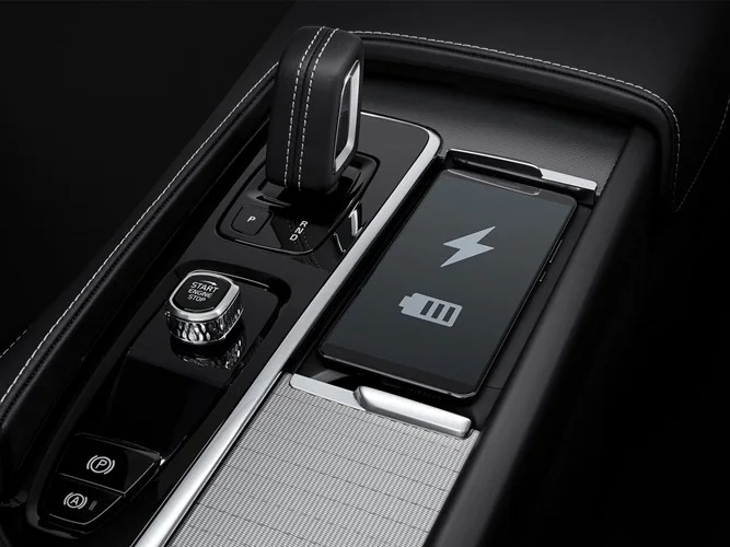 Wireless charging for your phone in a XC90 Recharge